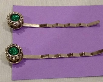 New Handcrafted Green rhinestone silver  Bobby Pin Pair
