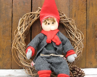 Large Nisse in Wreath - Scandinavian Gnome, Tomte, Tonttu - Christmas Decoration - Hygge - Scandi Decor Hanging - Nordic - Wall Hanging