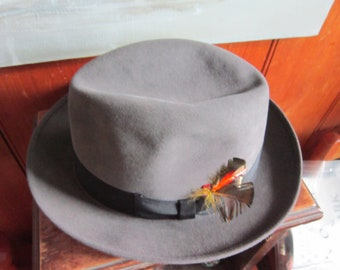 982b1553111 mens gray biltmore hat made in canada sz 7 1 4 excellent condition