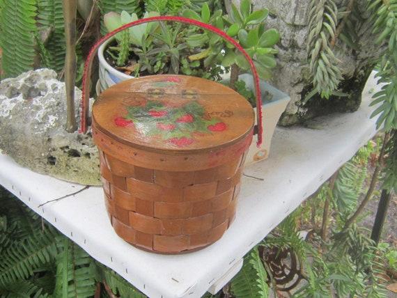 adorable splint basket purse box purse strawberrie