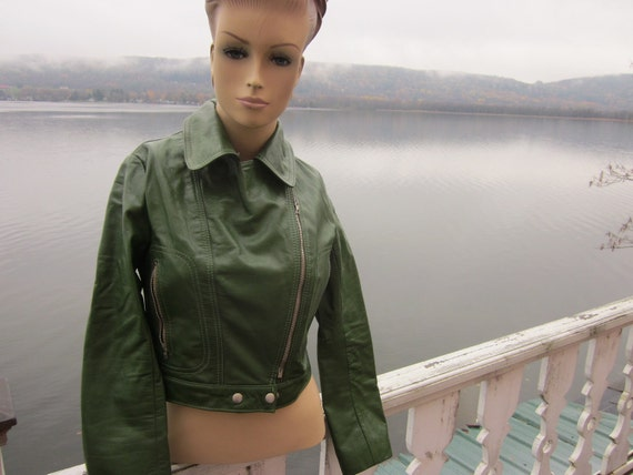 SALE   vtg green leather bomber jacket with matchi