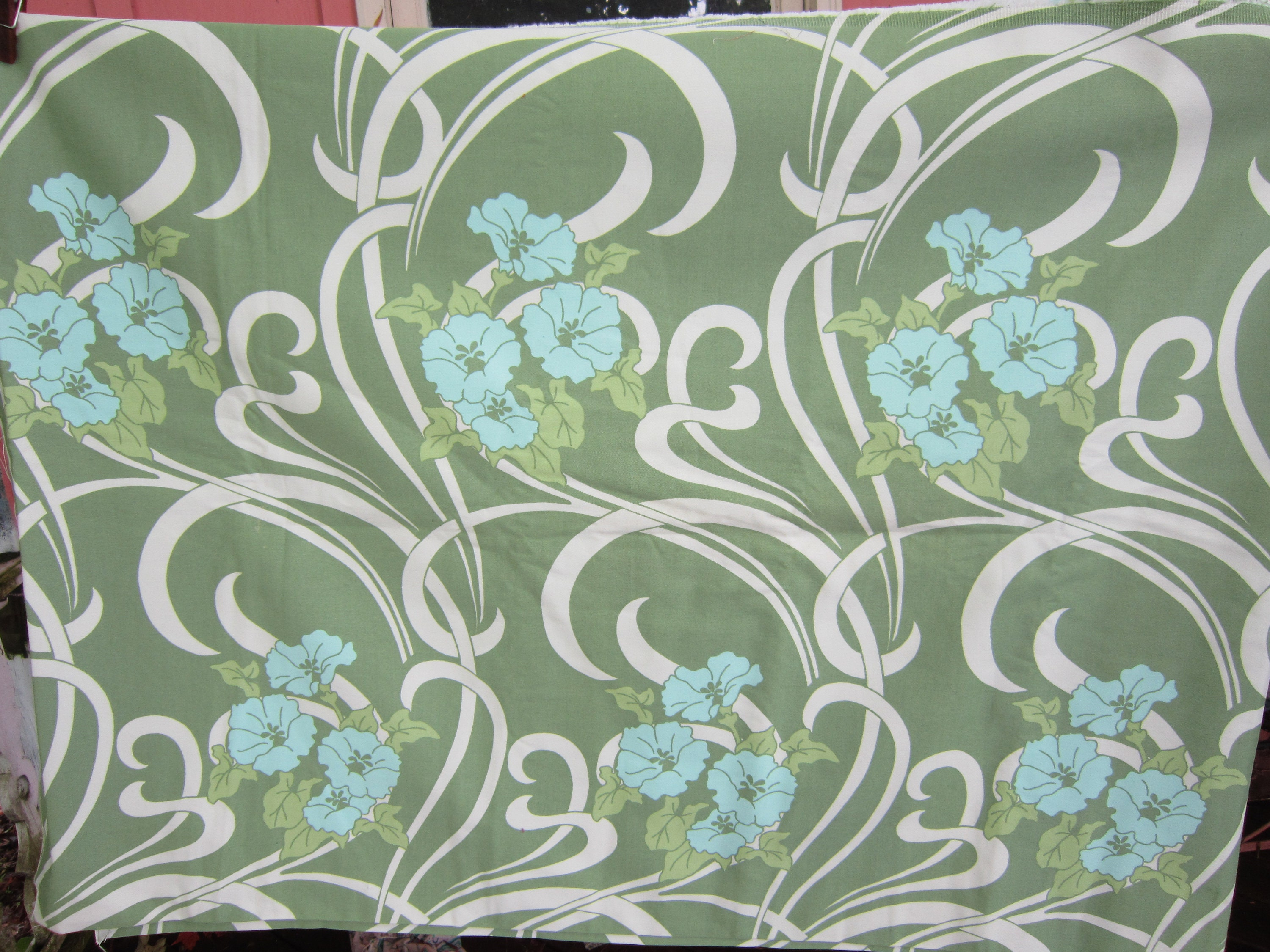 2 Yards Art Nouveau Look Fabric 56 Wide Just Gorgeous Etsy