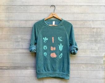 Eat Your VEGGIES Sweatshirt, Gift for a Gardener, Gift for Mom, Vegan Shirt, Vegetarian Shirt, Foodie Shirt, Cozy Sweater, XS-XL