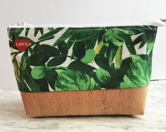 Greenery Canvas and Cork Essential Oil Storage Bag