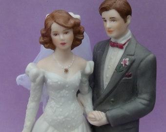 Vintage cake topper / Wedding cake topper / Anniversary Bride & Groom / Wedding Topper / Wedding couple topper
