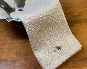 E1349 Handwoven Table Runner or Dresser Scarf - Swedish Lace
