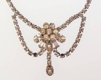 Lovely Vintage Leo Glass Clear Rhinestone Formal Dressy Wedding/Prom Necklace