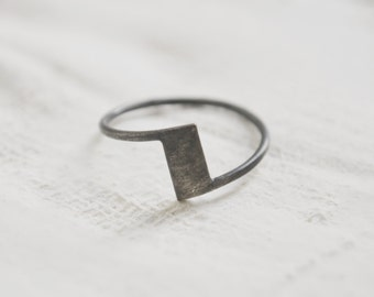 Zigzag ring  Oxidized silver ring  Industrial mood ring Everyday ring Gift for her