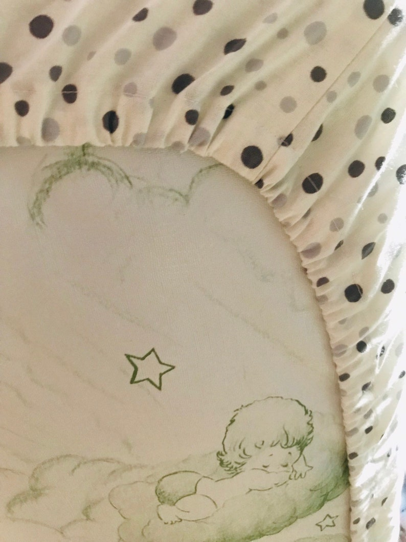 Gray polka dot Fitted Crib Sheet-Grey polka dot fitted crib sheet neutral fitted sheet Baby Shower Gift Gray bubbles Cotton Fabric Crib