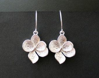 White gold petals earrings