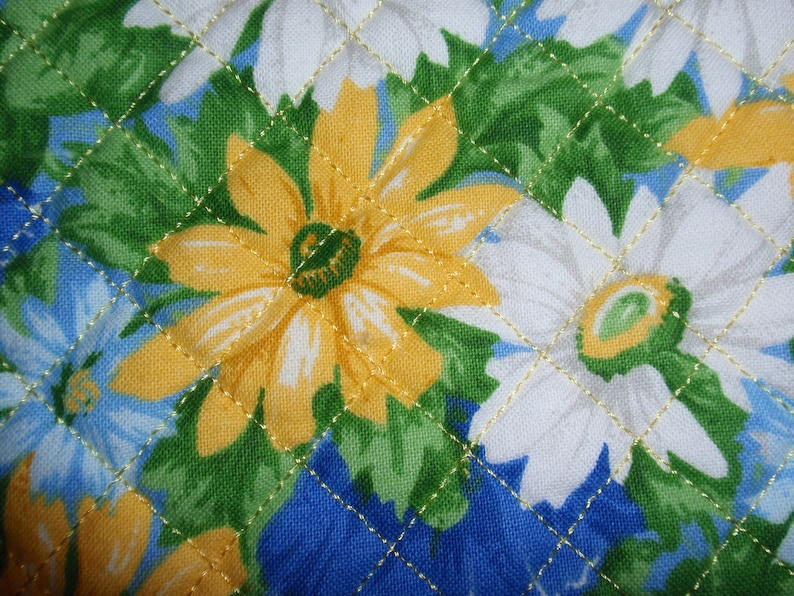 Quilted Fabric Checkbook Cover Women/'s Checkbook Cover Fabric Checkbook Cover Quilted Checkbook Free Shipping Daisy Fabric