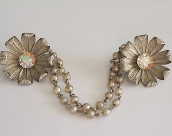 Vintage Silver Tone Flower Floral Sweater Clip With Rhinestones And Pearl Chain . Unsigned