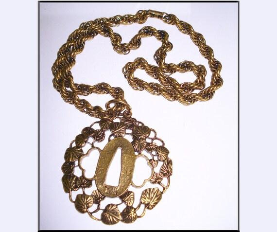 Vintage Necklace  . Gold  .  Big Pendant .  Retro