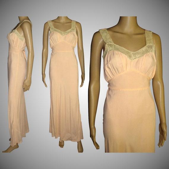Vintage 1930s Gown//30s Gown//Lace//Sensuous//1930
