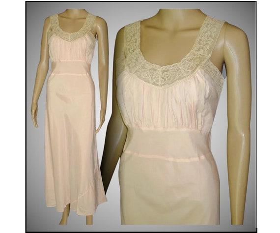 Vintage 1930s Gown// Bias Cut// Ruched// Lace Deta