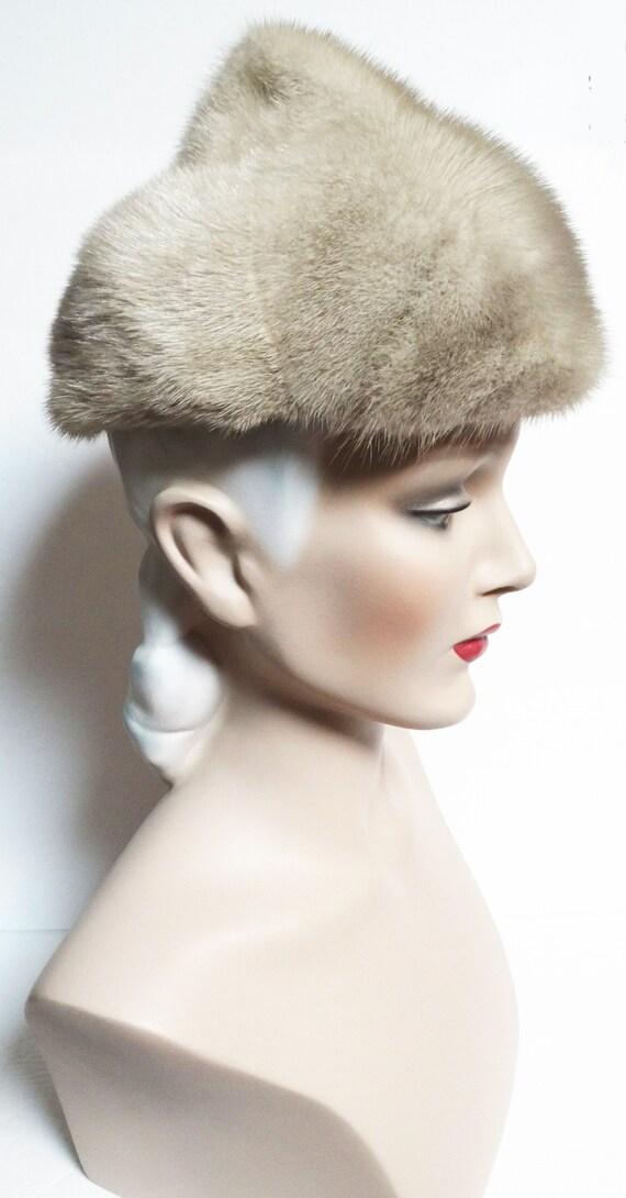 Vintage Mink Fur Hat / Taupe Color / 1960s Real F… - image 3