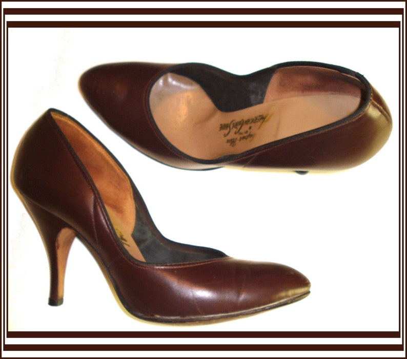 c04e9ee6ef431 Vintage 1950s 50s Brown Size 4B pumps Stiletto heels Rockabilly Swing Pinup  Bombshell Garden Party Office Wedding Career Designer Dress