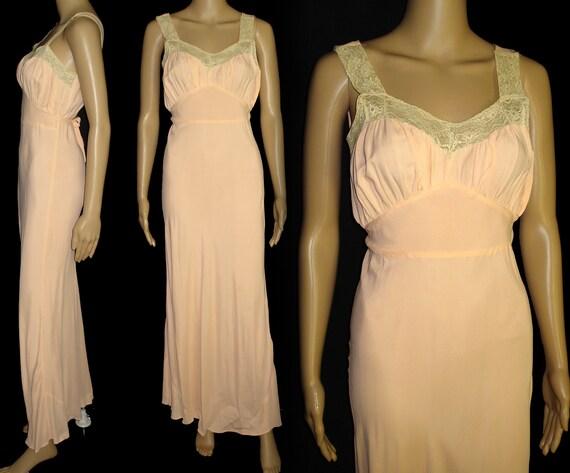 Vintage 1930s Gown//30s Gown//Lace//Sensuous//193… - image 2