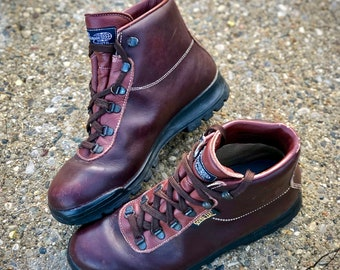 Amazing Vintage Vasque Sundowner Hiking Boots  Made In Italy  Size 10 M,  (Womenu0027s Medium)   May Fit Trans/other Genders   Check Measurements