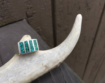 Lovely vintage Sterling Silver native block turquoise inlay ring - Size Large 9 1/2