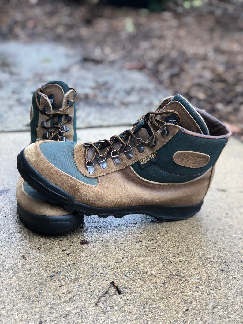 43416d050e1 Vintage Vasque Sundowner Skywalk Gore-Tex Hiking Boots- Made in Italy in  1992 - Size 10 1/2 mens - may fit trans/other genders