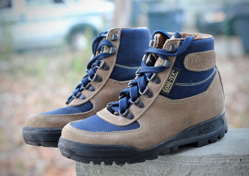 6aa76fc8793 Amazing vintage Vasque Sundowner Skywalk Hiking Boots- Made in Italy- Size  6.5 M (Men's Reg.) may fit trans/other genders check measurements