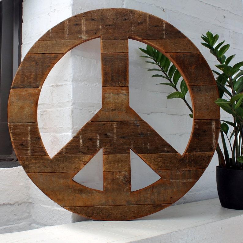 Boho Wall Decor Peace Sign Wall Art Reclaimed Wood Hippie Decor Rustic Peace Sign Boho Decor Peace Symbol Wooden Peace Sign Rustic Decor