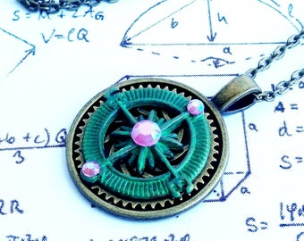 Gothic Steampunk Green Patina Wind Rose Clock Cog Gear charm pendant necklace