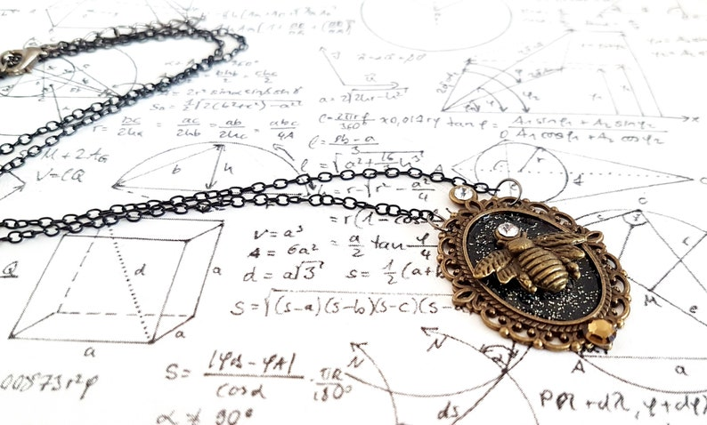 Feel The Pain Gothic steampunk Filigree Oval Bronze Bee insect sparkly charm pendant necklace