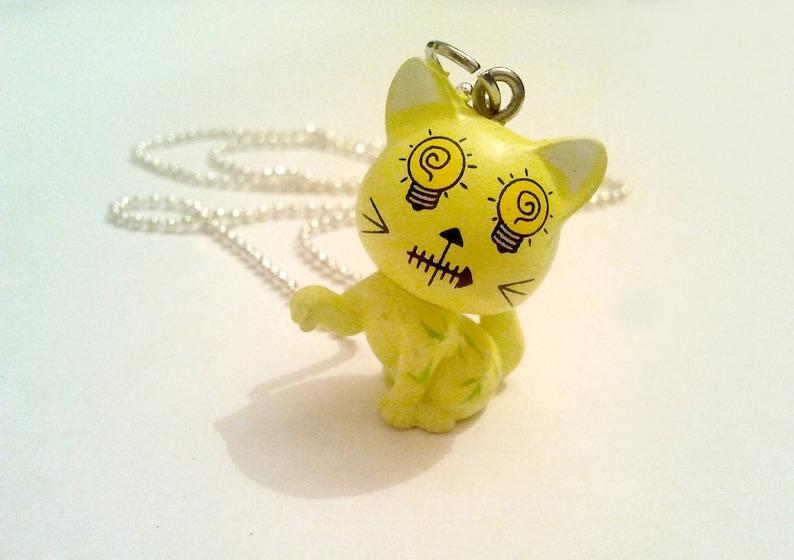 Yellow cute light bulb eyes Kitty Cat Figure Cute /& Cool Emo Kawaii necklace