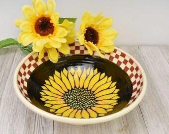 Ceramic Sunflower Bowl - Sunflower lover Bowl - Decorative Statement piece - Large Serving bowl