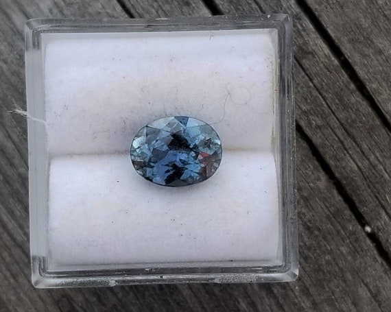 Natural Color Change Blue Sapphire 8.5x6.5 MM Oval Gemstone