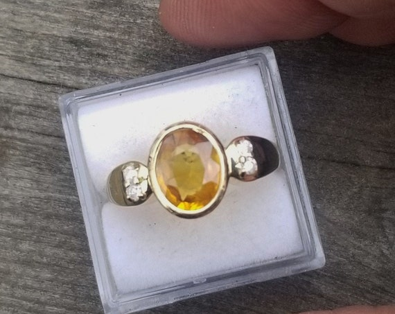 14k White Gold Ring Oval Yellow Sapphire