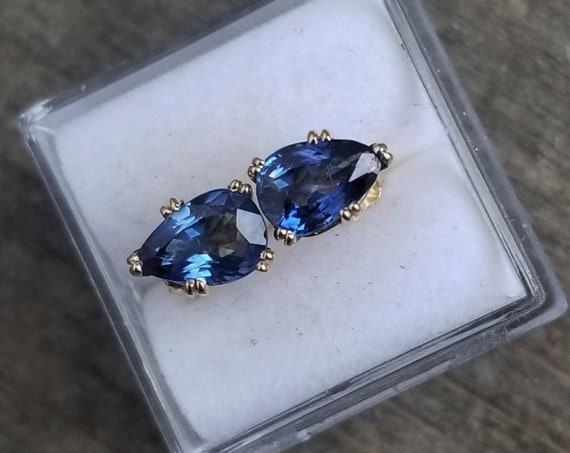 14k Yellow Gold Stud Earrings Blue Sapphire