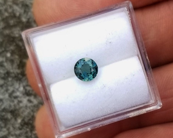 Natural Blue Green Sapphire 5.1 mm Round
