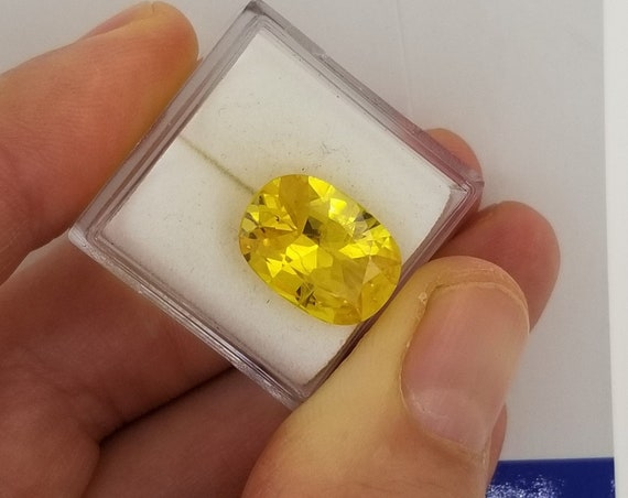 Yellow Sapphire 6.17cts Antique Cushion
