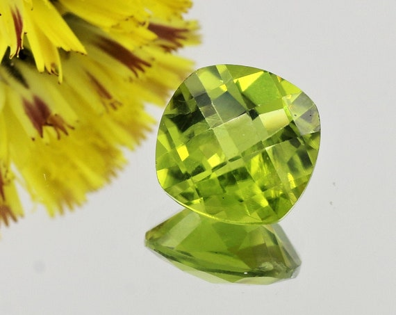 Arizona Peridot 10mm Square Cushion August Birthstone