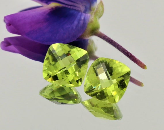 Peridot Pair 7mm Checkerboard Cushion