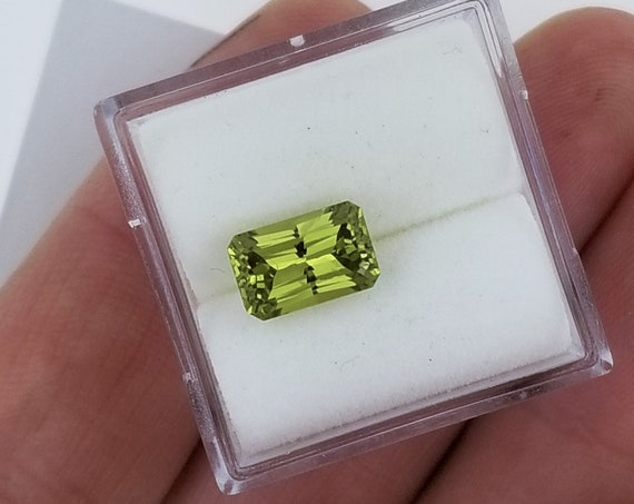 Radiant Cut Chartreuse Green Sapphire 2.14cts