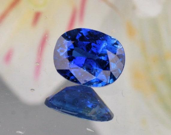 Natural Blue Sapphire 0.93ct Antique Cushion Cut