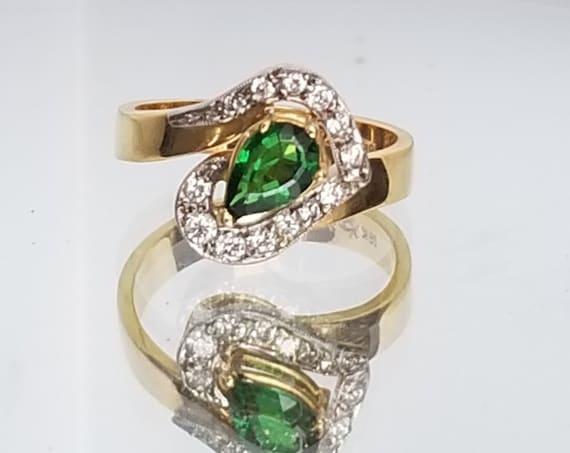 Vintage Style Tsavorite Garnet 18K Yellow Gold Ring