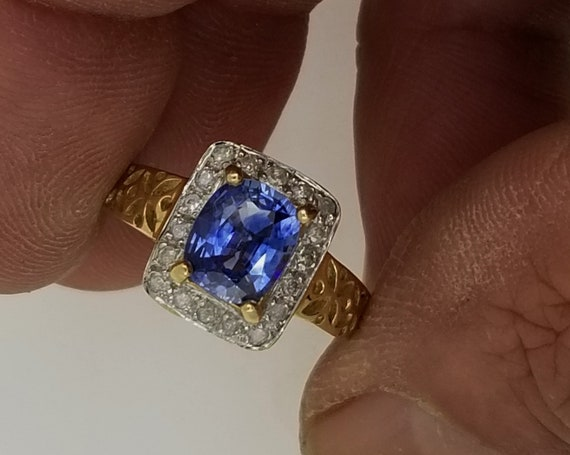 Vintage Ceylon Blue Sapphire 14k Yellow Gold