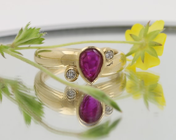 Natural Ruby 8x6MM  Pear Shape 14K Yellow Gold Ring