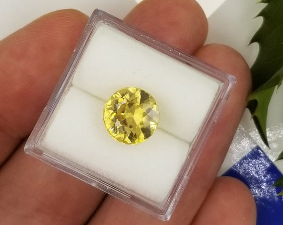 Yellow Zircon 4.32cts Round