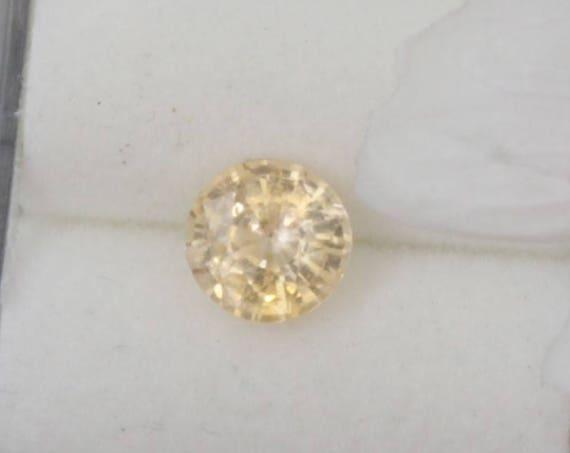 Yellow Peach Sapphire 1.05cts Round