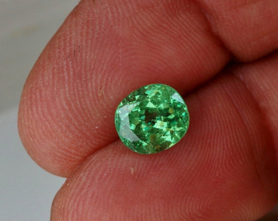 Tsavorite Garnet 2cts Cushion Cut