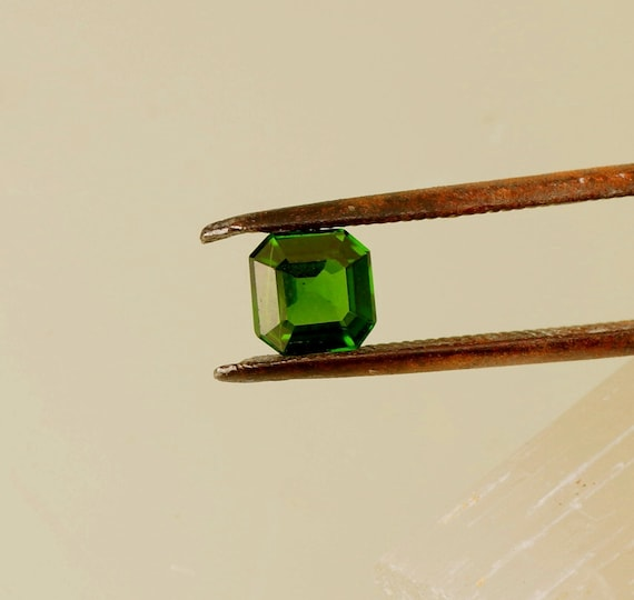 Tsavorite Square Garnet 6mm Asscher Cut