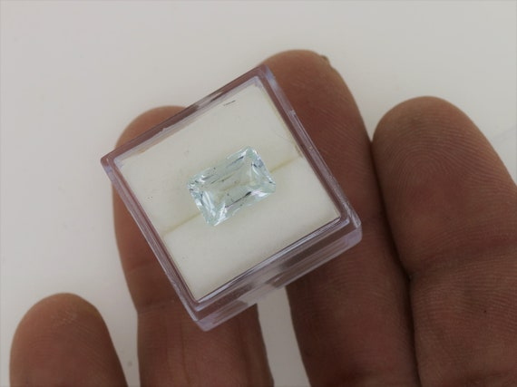 Natural Aquamarine 10.2x7MM Emerald Cut