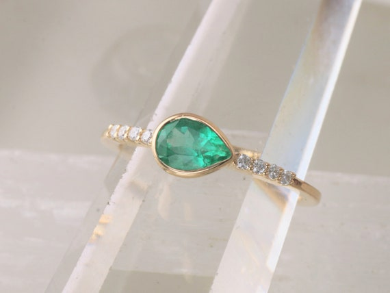 Pear Shape Emerald 14k Gold Stackable Ring.  May Birthstone Ring