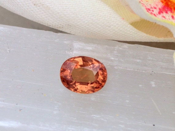 Apricot Sapphire 1.10cts Oval